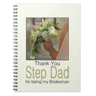 El padrino de boda del papá del paso le agradece note book