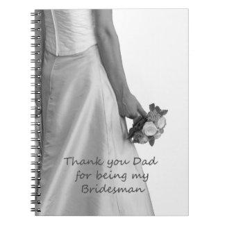 El padrino de boda del papá le agradece libro de apuntes con espiral