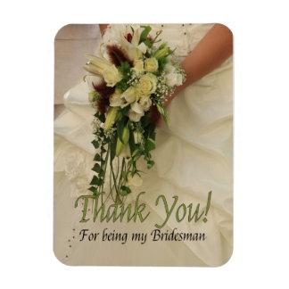 El padrino de boda le agradece imanes rectangulares