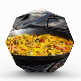 El Paella se cocina en una parrilla