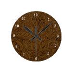 El país Brown del vaquero equipó el reloj de cuero