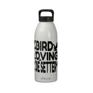 El pájaro cariñoso muere organismo botallas de agua