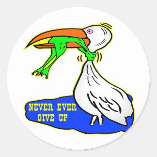 El pájaro de la obstrucción de la rana da nunca pegatina redonda