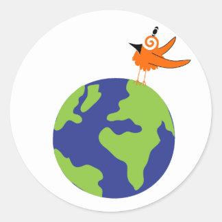 El pájaro de Swirly ahorra el mundo para la tierra Pegatina Redonda