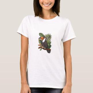 El pájaro de Toucan con su pico Playera