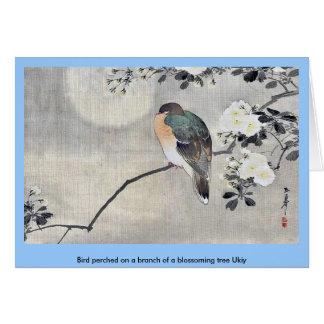 El pájaro se encaramó en una rama de un árbol flor tarjeta de felicitación