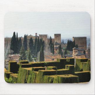 El palacio de Alhambra en España Alfombrillas De Ratones