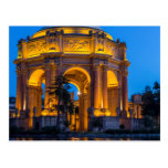 El palacio de bellas arte en el amanecer postal