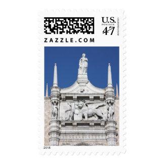 El palacio de los duxes con la estatua del dux sello