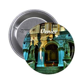 El palacio del dux - Venecia, Italia Pin Redondo De 2 Pulgadas