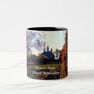 El palacio del gobernador, Williamsburg colonial Taza De Café De Dos Colores