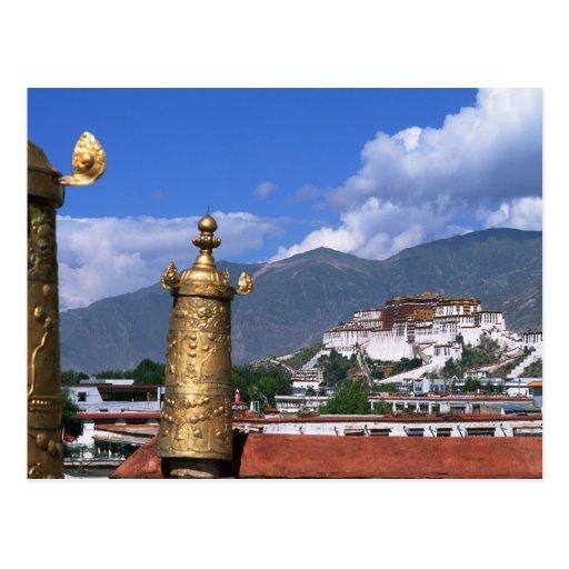 El palacio Potala en Lasa, Tíbet tomado de Tarjeta Postal