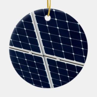 El panel de la energía solar adorno navideño redondo de cerámica