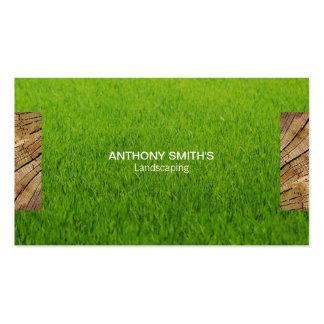 El panel de madera e hierba cortada 2 tarjetas de visita