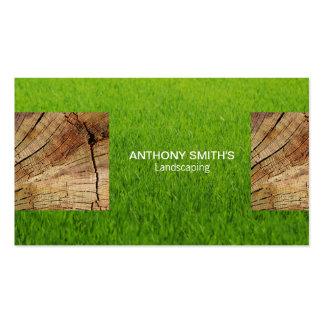 El panel de madera e hierba cortada tarjetas de visita