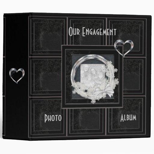 El panel negro envejecido álbum del compromiso de