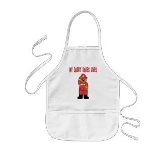 El papá ahorra al bombero de las vidas delantal infantil