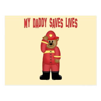 El papá ahorra al bombero de las vidas tarjetas postales