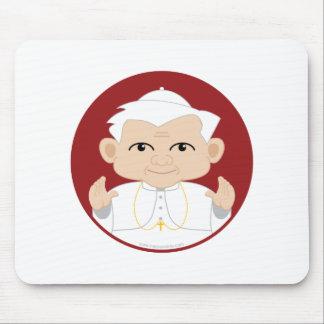 El papa Benedicto XVI Alfombrillas De Ratones