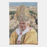 El papa Benedicto XVI con la Ciudad del Vaticano Toalla