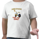 El papá conduce un cargador de la parte frontal camiseta