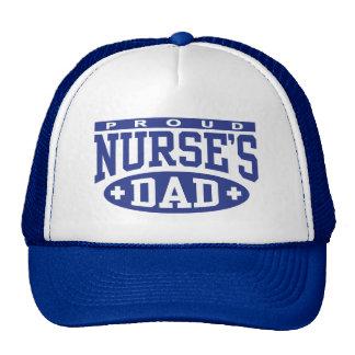 El papá de la enfermera gorra