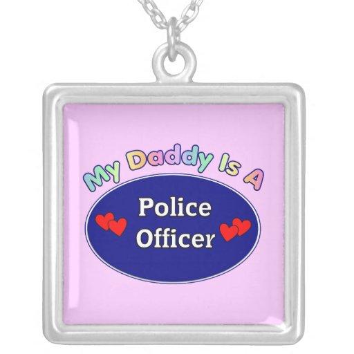 El papá es oficial de policía joyeria