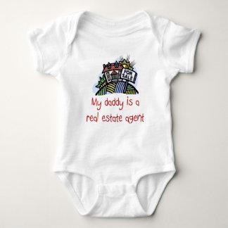 El papá es una camisa del bebé del agente