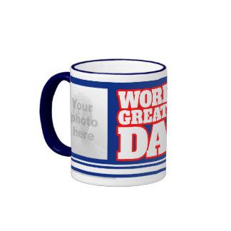 El papá más grande del mundo añade la taza del azu