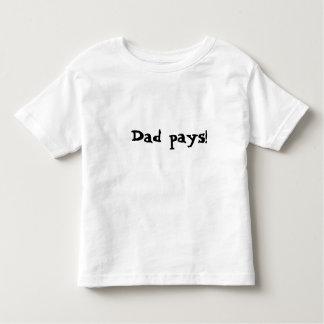 El papá paga camisas