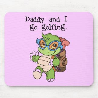 El papá y yo de la tortuga vamos a Golfing las cam Alfombrilla De Ratón