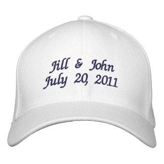 El par de la fecha del boda nombra el gorra de la  gorra de beisbol bordada