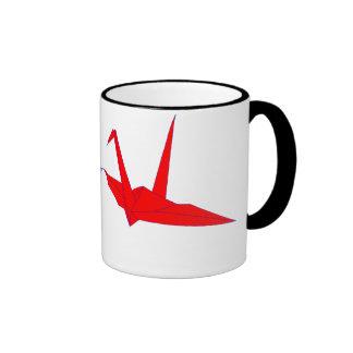 El par de origami Cranes la taza