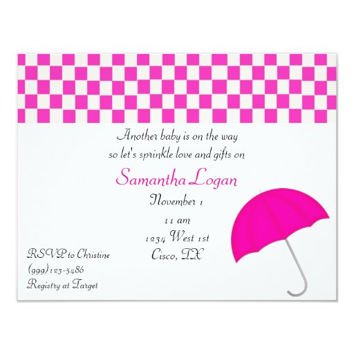 El paraguas rosado asperja la invitación de la