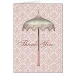 El paraguas rosado del parasol del vintage le agra tarjetas