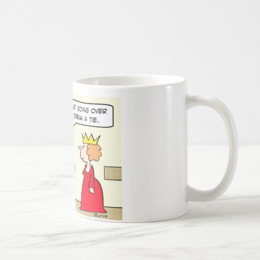 el parlamento del rey rompe la armadura de la espa tazas de café