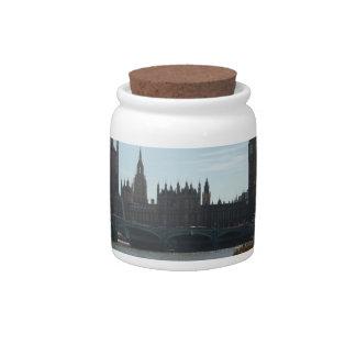 El parlamento y Big Ben Plato Para Caramelo