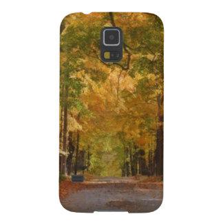El paseo colorido del otoño pensó los árboles fundas de galaxy s5
