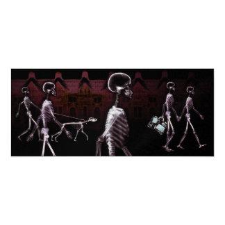 El paseo de medianoche de los esqueletos de la invitacion personalizada