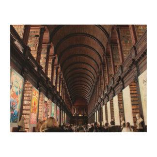 el pasillo largo cuadros de madera