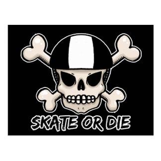 El patín o muere cráneo y bandera pirata postales