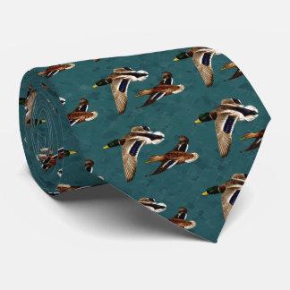 El pato silvestre Ducks en vuelo el trullo Corbatas Personalizadas