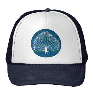 El pavo real blanco en un azul y la aguamarina cir gorra
