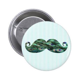 El pavo real colorido divertido empluma el bigote pin redondo de 2 pulgadas