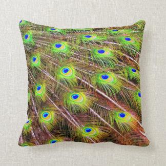El pavo real empluma la almohada de la fotografía cojín decorativo