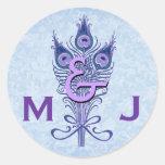 El pavo real púrpura del art déco empluma el boda etiquetas redondas
