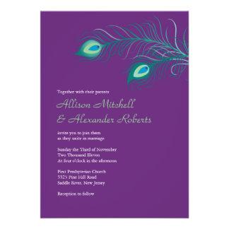 El pavo real púrpura elegante empluma la invitació anuncios