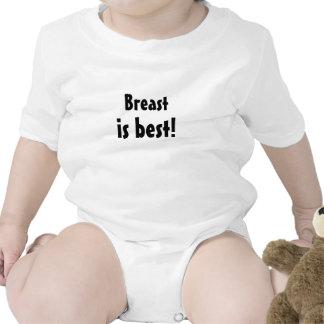 El pecho es la mejor camiseta del bebé