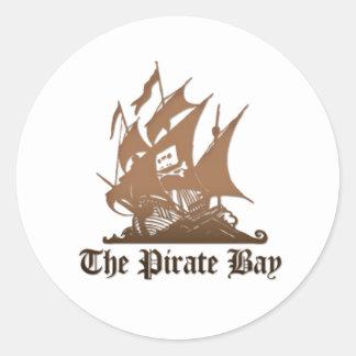 El pegatina del logotipo de la bahía del pirata