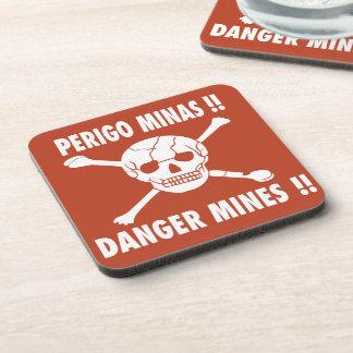 El peligro mina la muestra, Angola Posavasos
